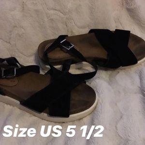 Shoes - Platform sandals